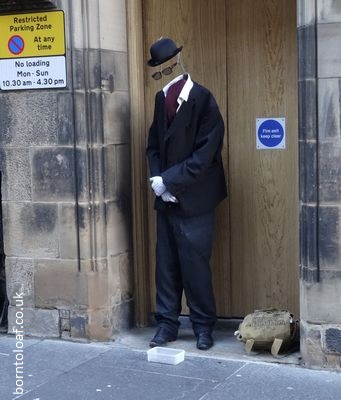 invisible man street performer edinburgh royal mile